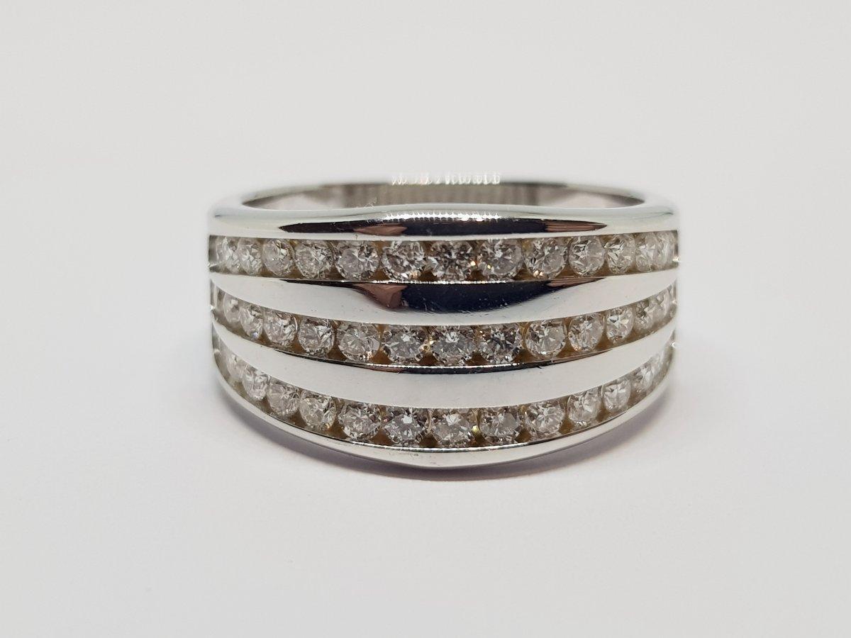 Bague Diamants 1 Carat En Or Blanc 18 Carats 750/1000 6.25 Grammes