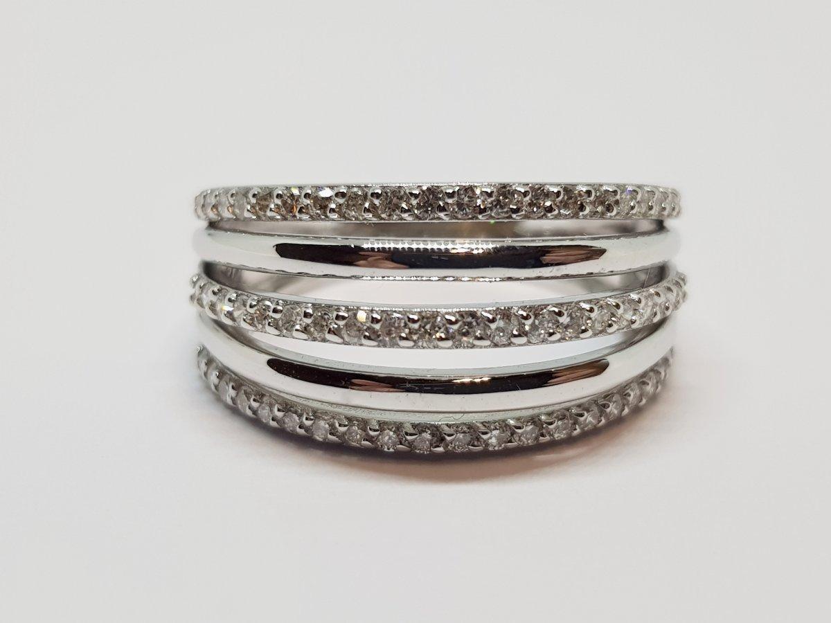 Bague Diamants 0.30 Carat En Or Blanc 18 Carats 750/1000 6.09 Grammes