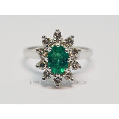 Bague Pompadour Emeraude 0.70 Carat & Diamants En Or Blanc 18 carats 750/1000 3.52 Grammes