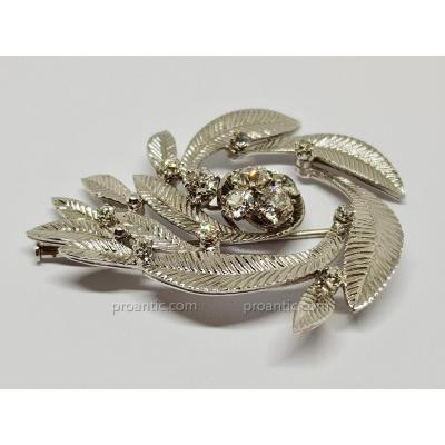 Broche Ancienne Art Nouveau Diamants 2.50 carats En Or Blanc 18 Carats 750/1000 17.43 Grammes