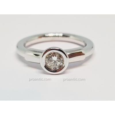 Bague - Solitaire Diamant 0.55 Carat En Or Blanc 18 Carats 750/1000 7 Grammes