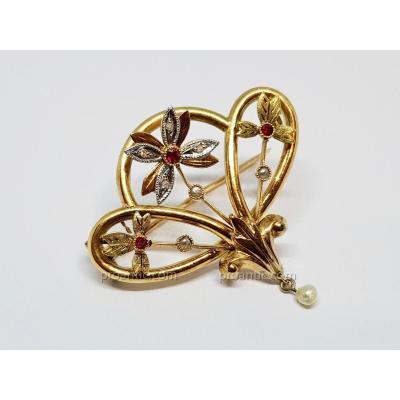 Broche Ancienne Belle Epoque Rubis Diamants Perles En Or Jaune 18 carats 750/1000 3.29 Grammes