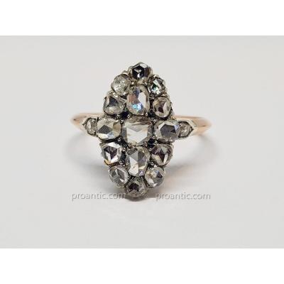 Bague Belle Epoque Roses De Diamant en Or Rose 18 Carats 750/1000 & Platine 850/1000 3.13 Grammes