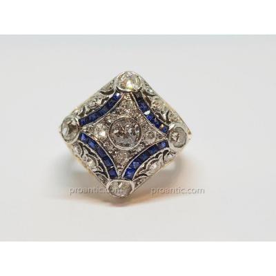 Bague Art Déco Or Jaune 18 Carats 750/1000 & Platine 850/1000 Diamants & Saphirs 12.83 Grammes