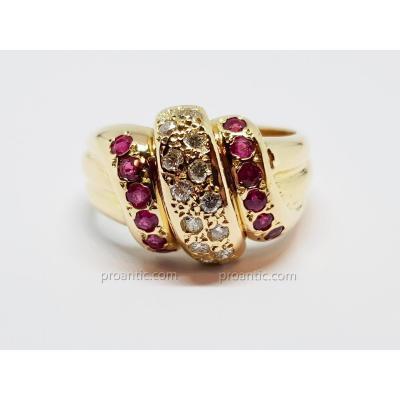 Bague Ancienne En Or Jaune 18 Carats 750/1000 Rubis & Diamants 10.72 Grammes