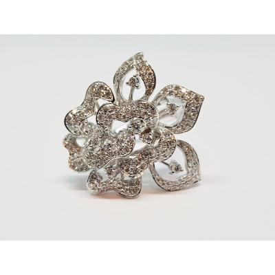 Bague Fleur En Or Blanc 18 Carats 750/1000 Diamants 0.96 Carat 8.17 Grammes