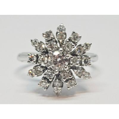 Bague Entourage En Or Blanc 18 Carats 750/1000 25 Diamants 1.15 Carat 7.48 Grammes