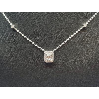 Collier émeraude En Or Blanc 18 Carats 750/1000 Diamants 0.30 Carat 3.10 Grammes