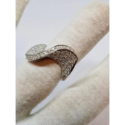 Bague Ruban Design Diamants En Or Blanc 18 Carats 750/1000 13.10 Grammes
