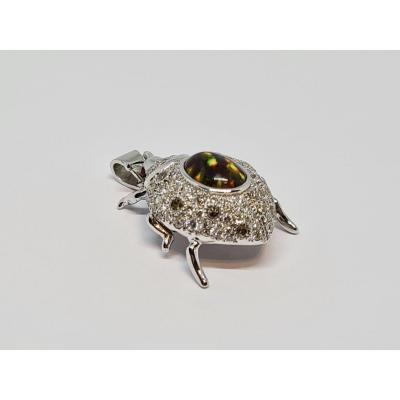 Pendentif Coccinelle Opale & Diamants 1.20 Carat Or Blanc 18 Carats 750/1000 8.08 Grammes