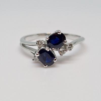 0.60 Carat Sapphire & Diamonds Ring In 18k 750/1000 White Gold 2.47 Grams