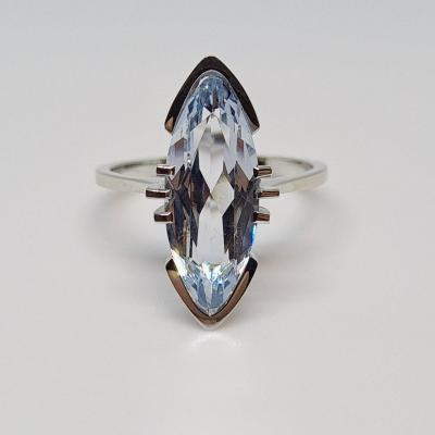 Marquise Aïgue Marine Ring 2.40 Carats White Gold 18 Carats 750/1000 3.26 Grams