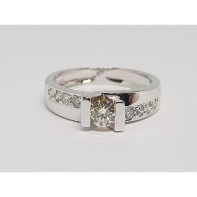 0.60 Carat Diamond Ring In 18k 750/1000 White Gold 4.72 Grams