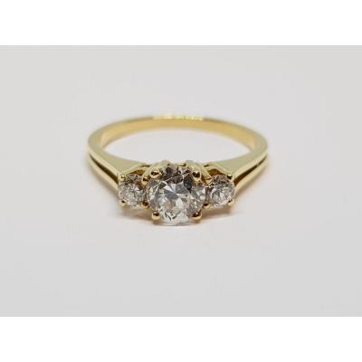 Engagement Ring - Trilogy Diamonds 0.90 Carat In 18k Yellow Gold 2.85 Grams