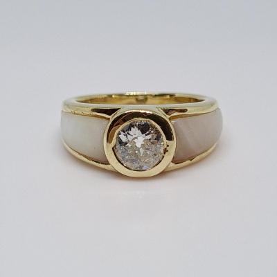 Old Diamond Ring 0.56 Carat & Mother Of Pearl 18k Yellow Gold 5.42 Grams