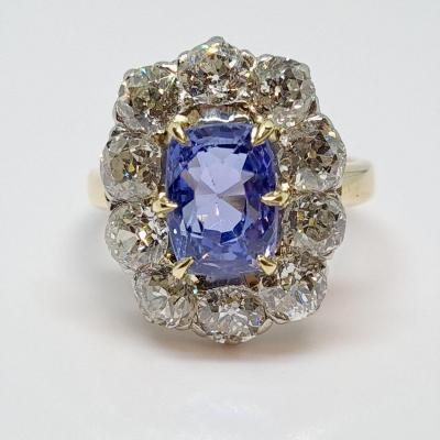 Old Sapphire Ring 3.79 Carats & Diamonds 18k Yellow Gold 6.79 Grams