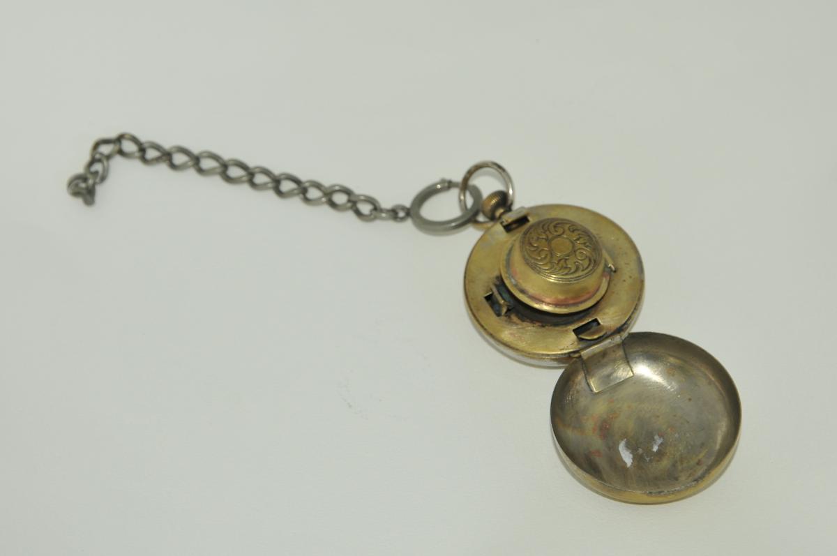 Encrier de voyage en forme de montre à gousset XIXe