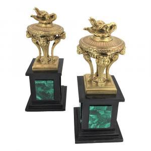 Paire De Coupes En Bronze Sur Socle En Marbre Et Malachite