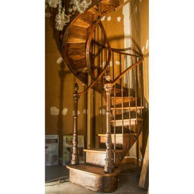 Rare Escalier à Noyau Creux En Chêne