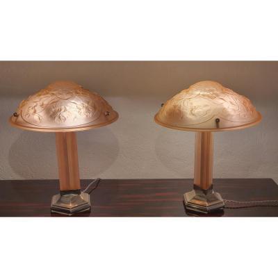 Art Deco Signed Molded Glass Lamp (rvm)