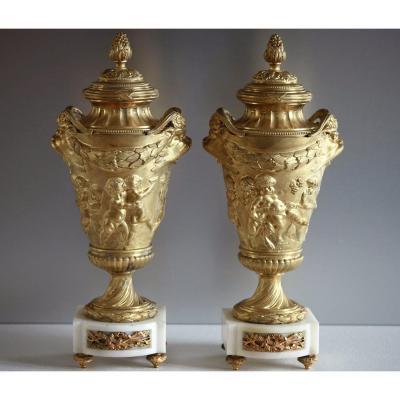 Paire de Cassolettes Vases H 37 cm, d'après Clodion