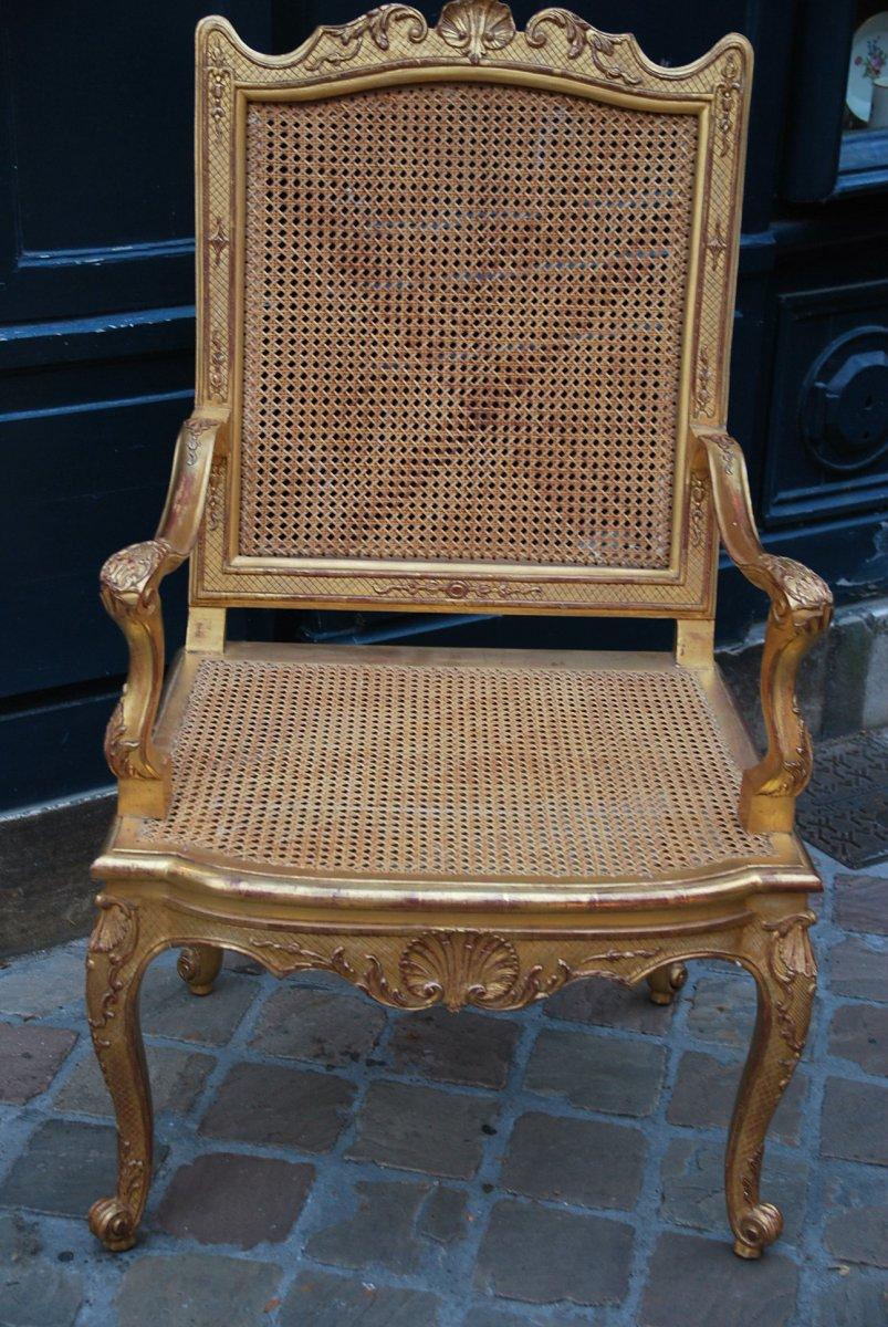 Important Et Large Fauteuil D Apparat En Bois Doré D époque Regence Début XVIII-photo-1