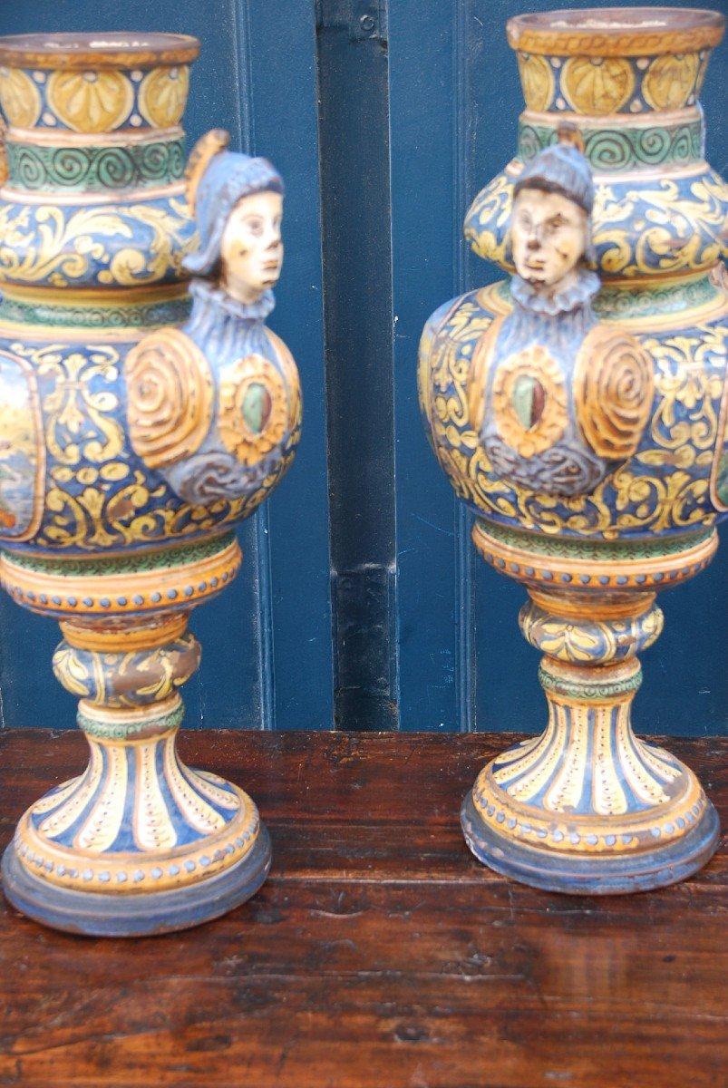 Italie Paire De Grands Vases En Faience Polychrome Style Renaissance XIX Urbino-photo-2