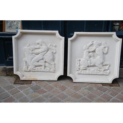 Paire De Grands Bas Reliefs En Plâtre  à L Antique , Vers 1930-40