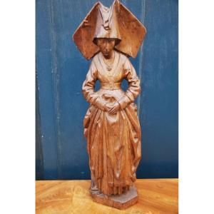Sculpture Représentant Une Femme  Du Moyen Age