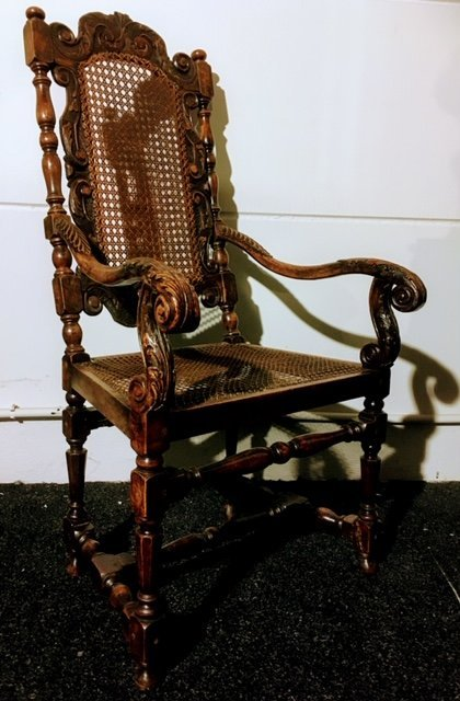 Fauteuil En Noyer Vers 1700 ( William & Mary ) -photo-1