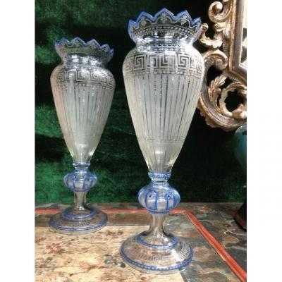 2 Vases Joliment Gravés En Verre 19ème.