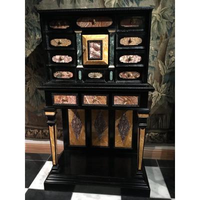 Grand Cabinet Florentin, 19ème Siècle ,hauteur 143 Cm