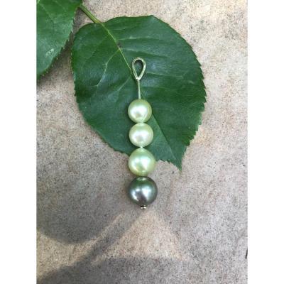 Pendentif or et perles