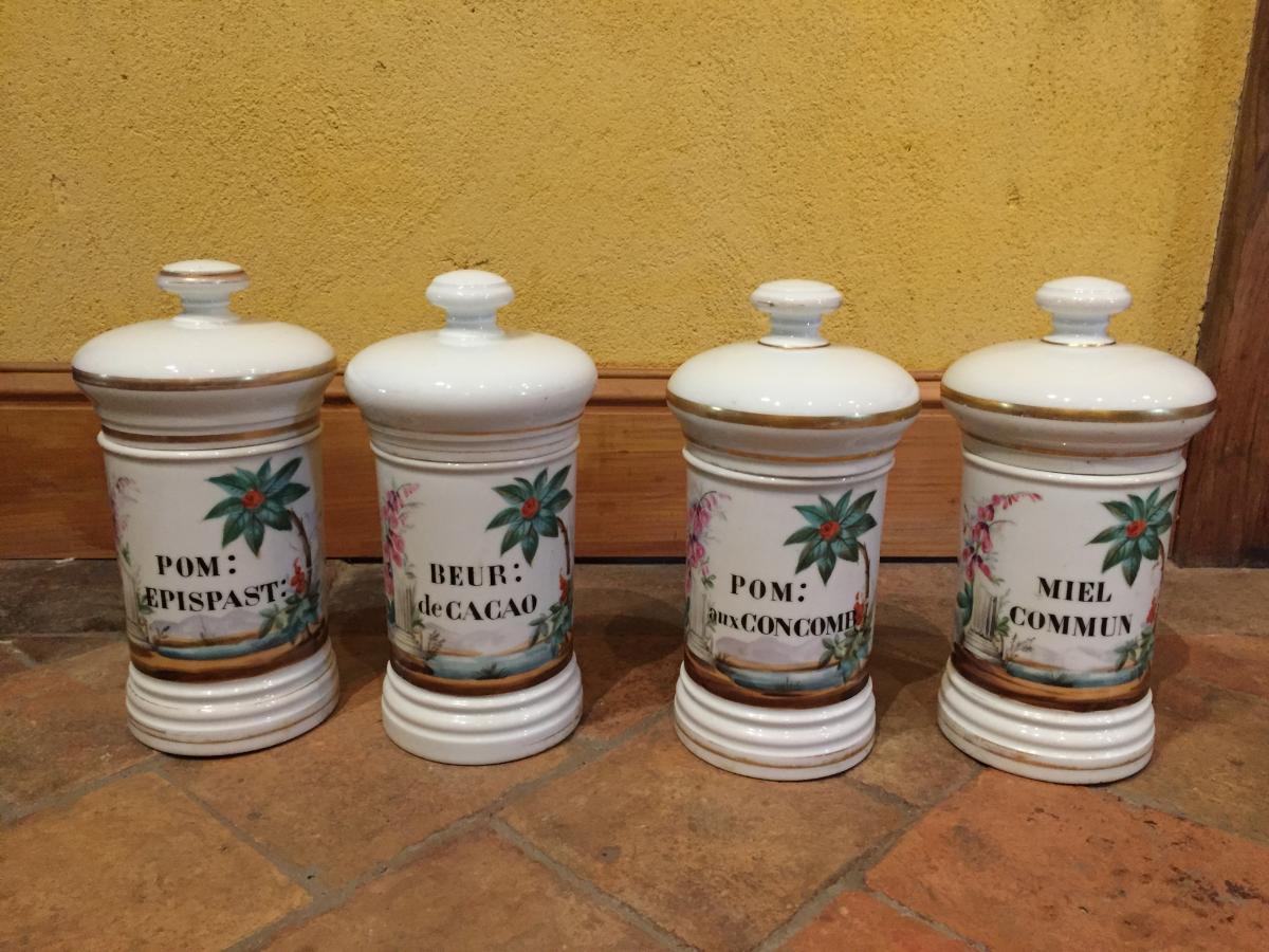Suite De 4 Pots A Pharmacie En Porcelaine
