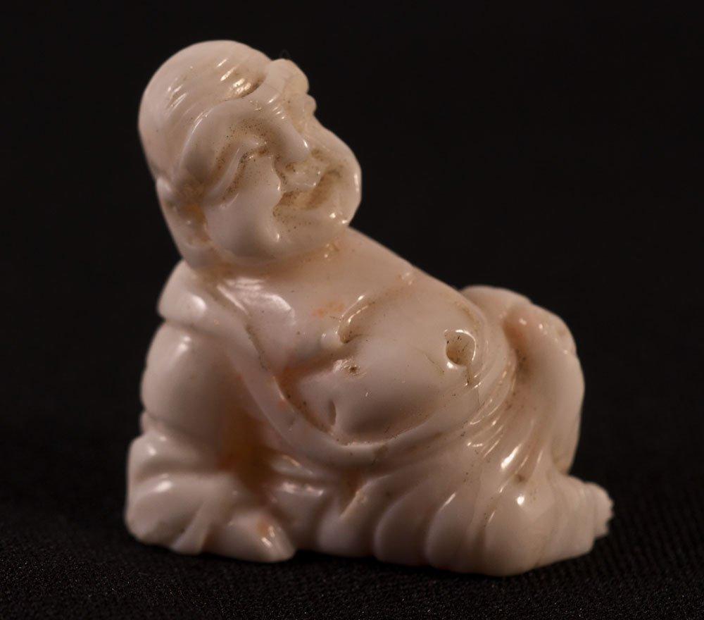 Netsuke Bouddha En Corail Blanc