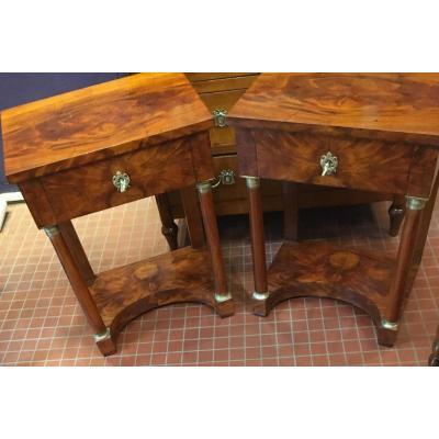 Une Paire Des petites tables salon  Style Empire