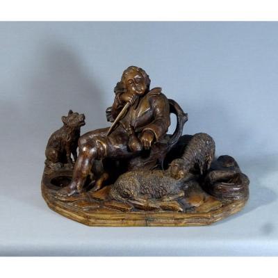 Sculpture en Bois du XVIIIeme Siècle, Petit Pâtre ou Berger Assoupi Avec Son Chien et ses Moutons (signature à identifier).