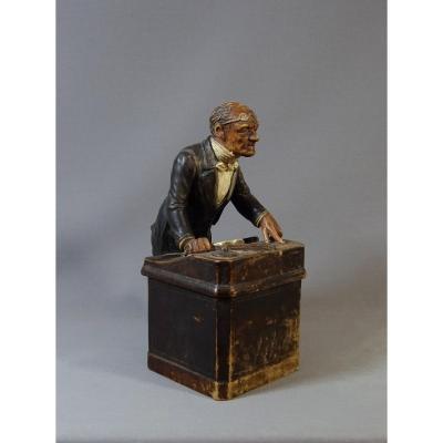 Manufacture Bernhard Bloch, Le Surveillant, Pot à Tabac en Terre cuite Polychrome, XIXeme Siècle