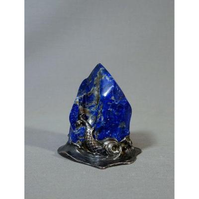 Objet d'Orfèvrerie Monté Formant Rocher Assailli par les Flots écumants & Dauphin Antique, Lapis Lazuli et Monture Argent