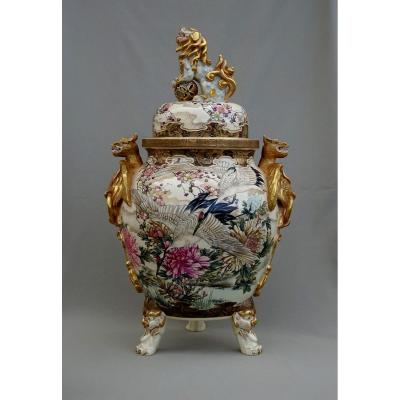 Important Pot Covered, Old Sandstone From Satsuma Ovens, Japan Meiji Period, Rich Decor Of Cranes, Peonies, Blossoming Plum Trees