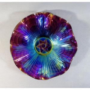 Coupe Mouvementée En Verre Iridescent ou dit Carnival Glass à Décor Maçonnique De L Étoile Flamboyante