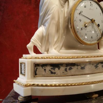 J.m Revel. Pendule En Marbre à Décor Peint Et Bronze Dorė. Epoque Louis XVI.