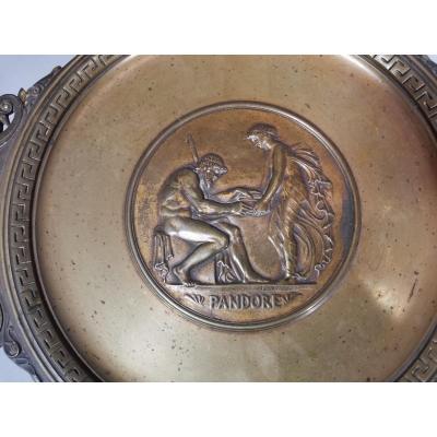 Ferdinand Barbedienne, Coupe Ou Centre De Table En Bronze Doré à l'Antique