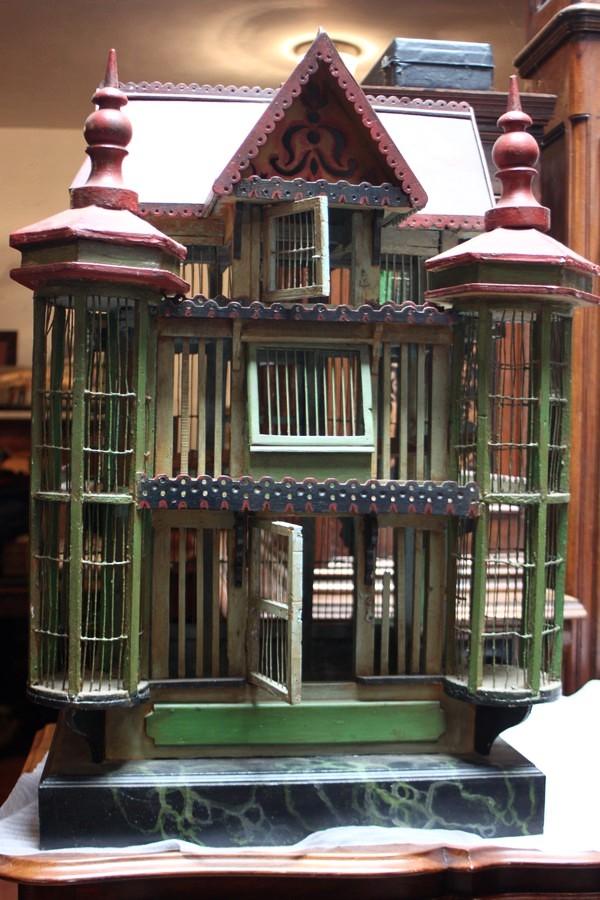 Cage à oiseaux polychrome