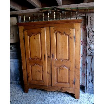Small Mountain Cabinet In Pine, XVIIIth