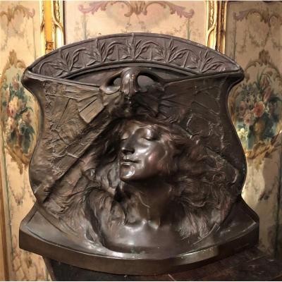 Sculpture symboliste en bronze Signée Paul  Berthoud 1902