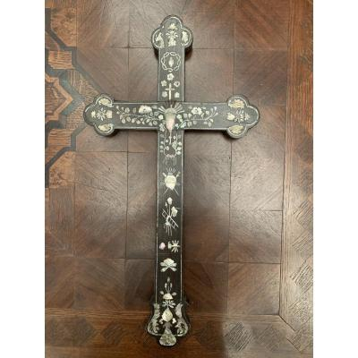 Rosewood Cross With Mother Of Pearl Decor