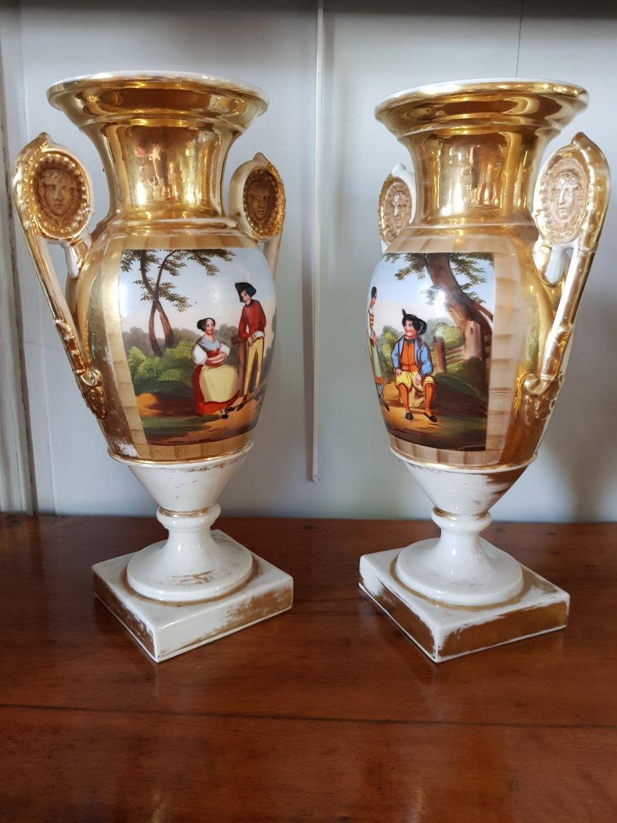 Paire De Vases En Porcelaine De Paris -epoque Empire Restauration