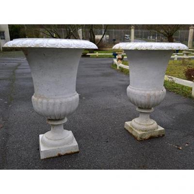 Paire De Très Grands Vases Médicis En Fonte (97 Cm).