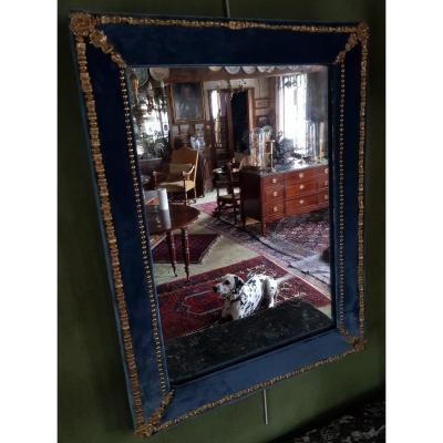 Glace Rectangulaire Garnie  De Velours Bleu Et De Bronzes Dorés   XIX° Siecle